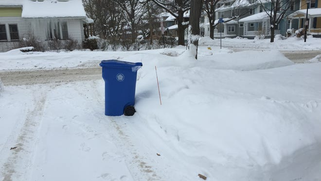 City of Rochester recycling toter bin.