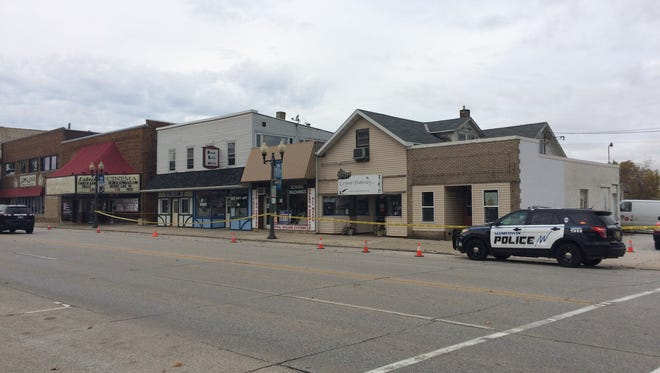 Manitowoc Fire/Rescue and Manitowoc Police Department responded to the 1100 block of Washington Street in downtown Manitowoc Monday morning for the report of more than 10 people suffering carbon monoxide poisoning.
