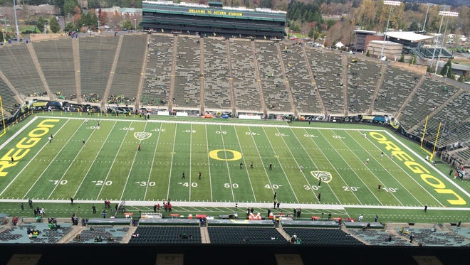 Oregon hosts Stanford today at Autzen Stadium in the Ducks' final home game of the season.
