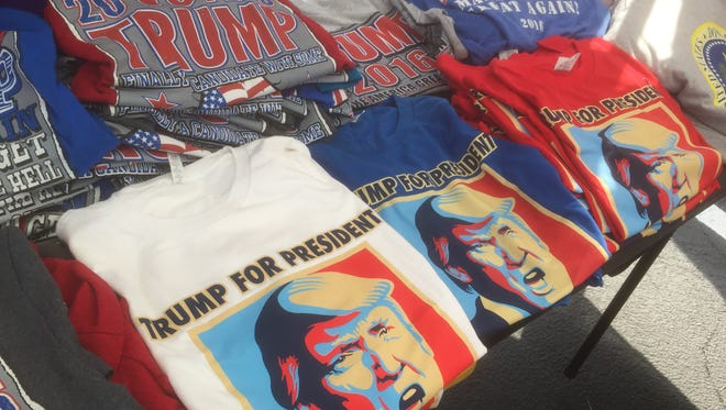 A Las Vegas couple has set up a temporary Trump Shop to sell Donald Trump merchandise in Melbourne