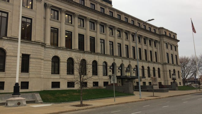 The 87-year-old federal courthouse in Des Moines would be replaced under a $137 million plan approved by Congress to build a new courthouse in the city.