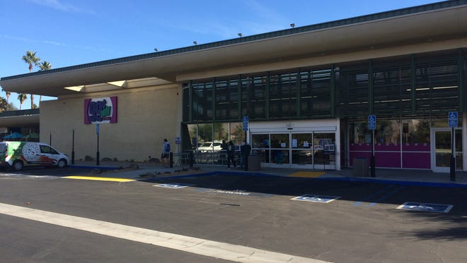 A 99 Cent Only Store opens Tuesday at Sunrise and Tahquitz Canyon ways in Palm Springs. The first nine customers can buy a flat screen TV for 99 cents.