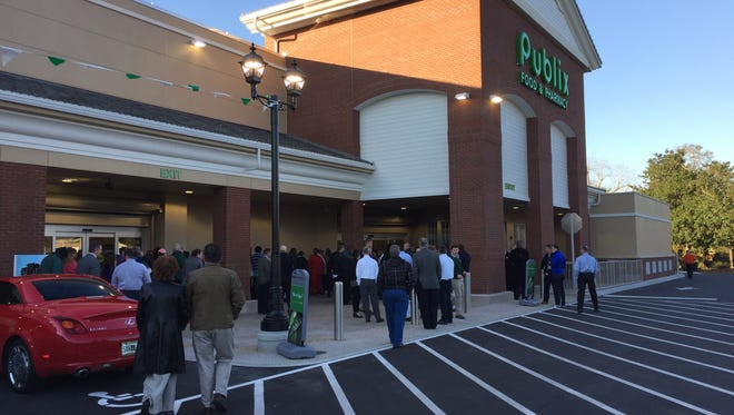 Grand opening of the new Publix Super Market in East Hill.