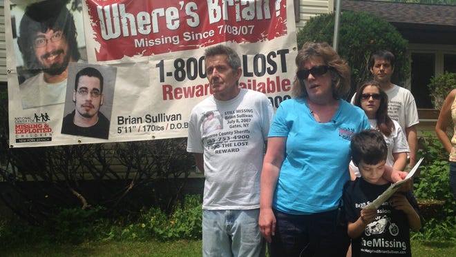 Daniel Sullivan, left, and Barbara Sullivan announced renewed efforts in 2015 to find their son, Brian Sullivan.