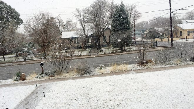 Monday morning saw a mixture of snow, sleet and rain in Silver City.
