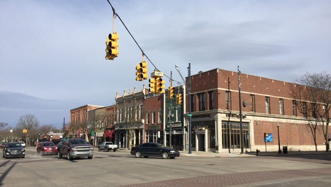 Streetlights were out across Livingston County Wednesday and Thursday due to widespread power outages caused by Wednesday's high winds. The lights at the corner of busy Grand River and Michigan avenues, located in the middle of downtown Howell, are back on after being out for hours.
