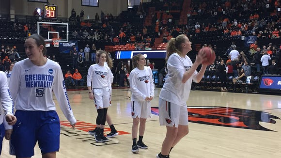 Oregon State in pregame warmups for NCAA tournament second-round matchup against Creighton at Gill Coliseum on March 19, 2017.