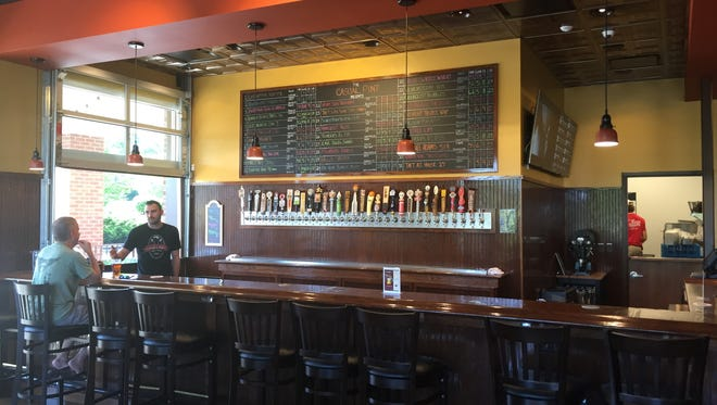 The bar at the new Casual Pint location in Mason.