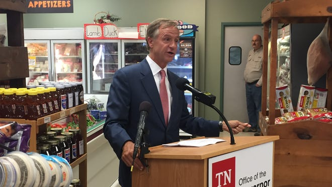 Gov. Bill Haslam speaks at Houston's Meat and Produce in Mt. Juliet on Thursday, July 6, 2017.
