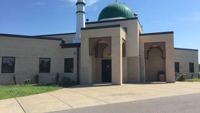 Islamic Center of Murfreesboro is located at 2605 Veals Road in Murfreesboro.