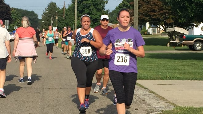 More than 500 people showed up to Geller Park Saturday morning to participate in the annualKaris' Cause 5K, which raises money to help families dealing with pediatric cancer.