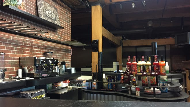 The Mix, a nonalcoholic bar serving Italian sodas, smoothies and virgin mixed drinks, opens Saturday in Machinery Row.