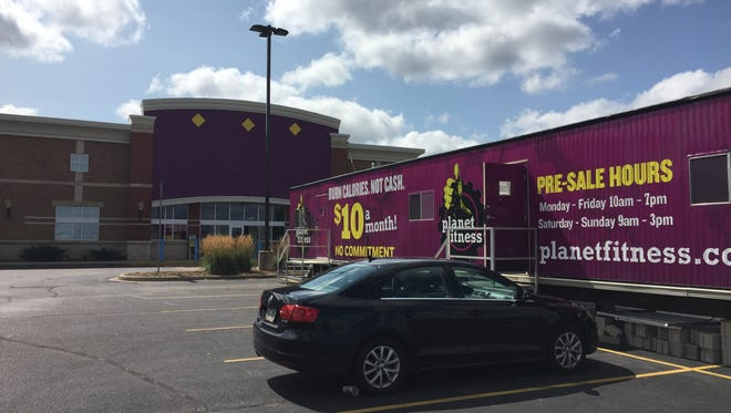 Planet Fitness in Crossroads Commons