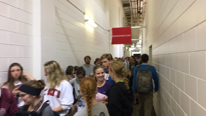 Students line up for Johnnie-Tommie tickets