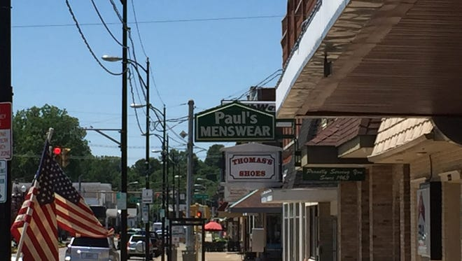A consultant has compiled recommendations for how to improve West Franklin Street's parking situation.