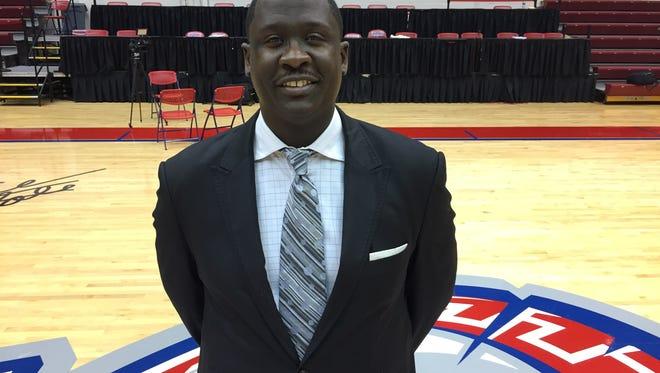 Detroit Mercy coach Bacari Alexander