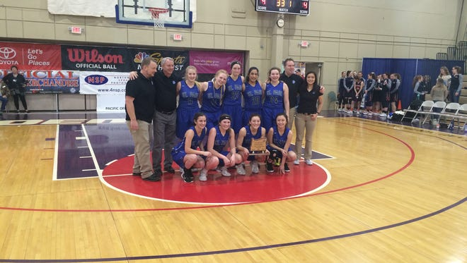 St. Paul's girls basketball team took home the third-place trophy Saturday at the OSAA Class 2A state tournament.