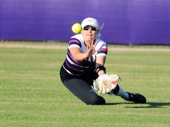 Wylie center fielder Lilly New (16) dives to make a