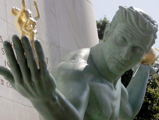 636597529776353073-statue-092308-face-wa.jpg