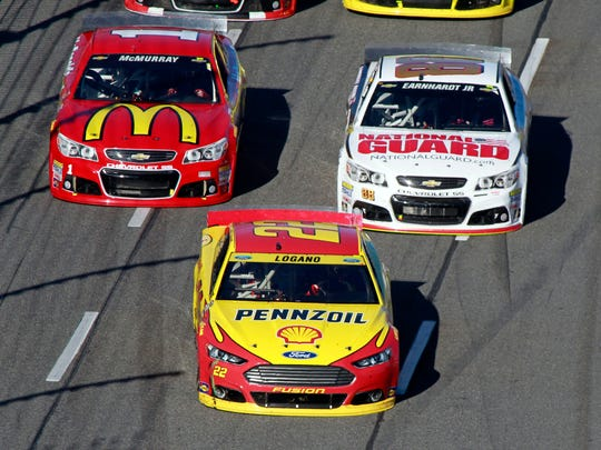 Joey Logano (22) would have a commanding lead in the Chase under the old format.