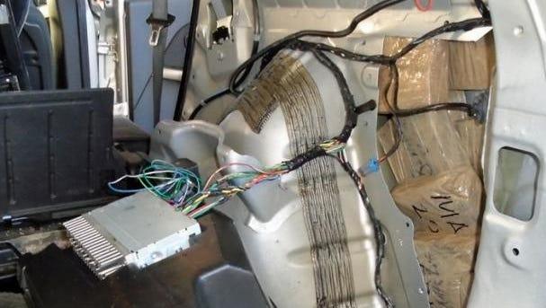 Agentes descubrieron mentanfetamina escondida en un auto en Nogales el 24 de octubre.