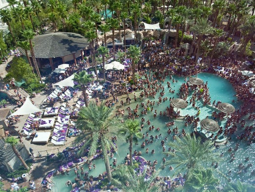 How To Throw A Miami Beach Pool Party
