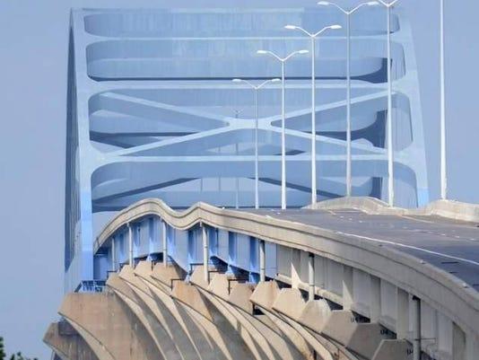 Leo Frigo bridge dip