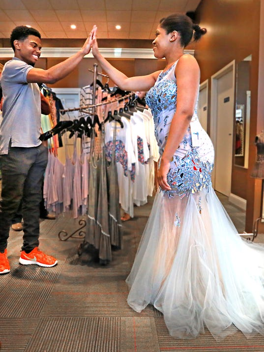 Fairy Godmothers Make Indy Teens Prom Dreams Come True
