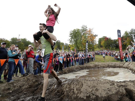 Wife Carrying Competition (2)