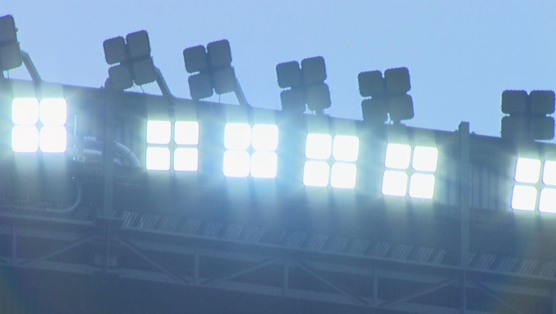 New LED lights at Safeco Field get a first big test