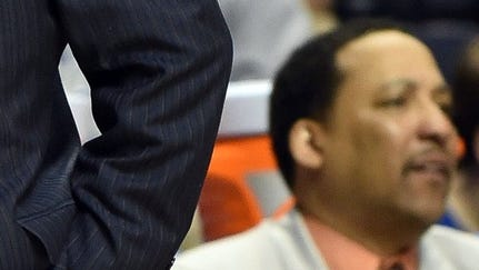 Auburn assistant coach Tony Jones resigned on Friday.