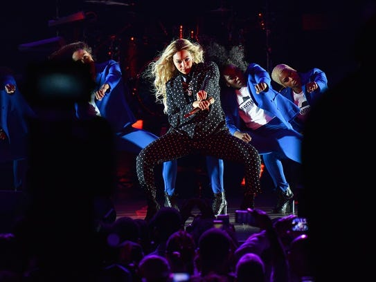 CLEVELAND, OH - NOVEMBER 04:  Beyonce performs on stage