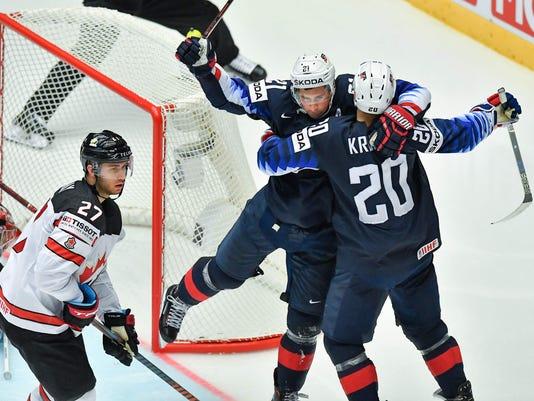 Dylan Larkin, hockey