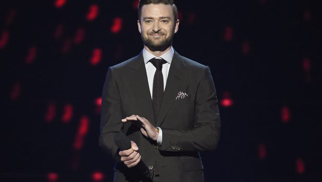 Justin Timberlake presents the icon award at the ESPY Awards at the Microsoft Theater on Wednesday, July 13, 2016, in Los Angeles. (Photo by Chris Pizzello/Invision/AP)