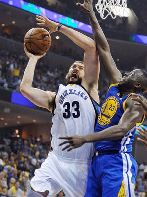Marc Gasol had 21 points and 15 rebounds for the Grizzlies.