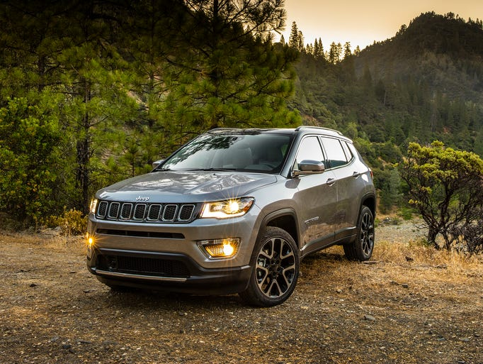 the 2017 jeep compass and compass trailhawk. Black Bedroom Furniture Sets. Home Design Ideas