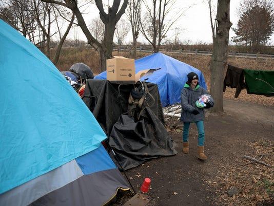 636493878880734245-jl-homeless-122017-14.JPG