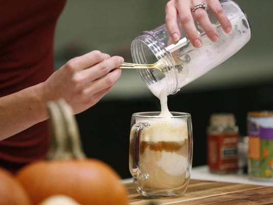 How to make a healthy pumpkin spice latte with way less sugar and calories