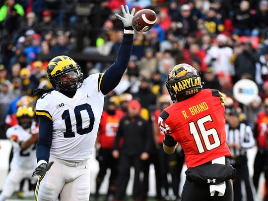 Michigan linebacker Devin Bush deflects a pass against Maryland on Nov. 11.