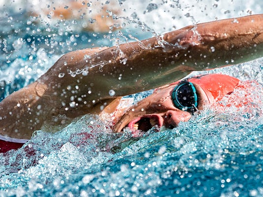 swimmer in crawing