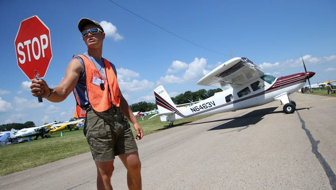 EAA is holding a walk-in event from 9-11 a.m. Saturday to fill jobs for AirVenture.
