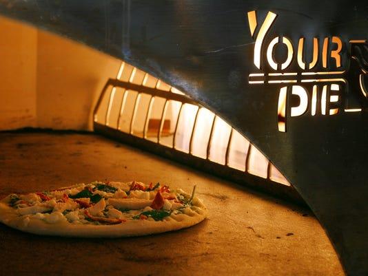 635956322571454348-Pizza-1.jpg