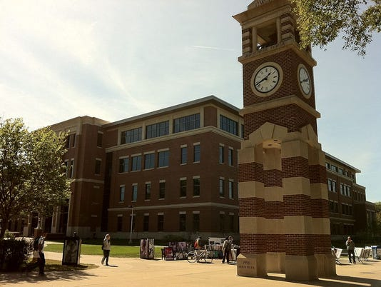 635590975567911599-1024px-UW-La-Crosse-Centennial-Hall-and-Clock-Tower