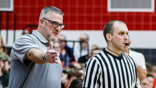Steve Showalter compiled a 28-21 record as the boys basketball coach at Menomonee Falls in two seasons.