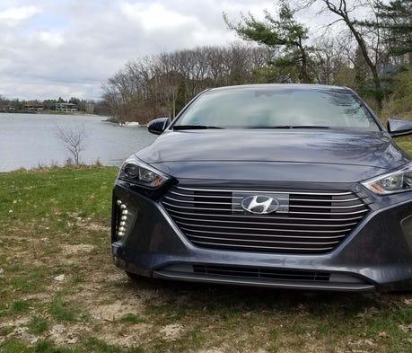 Look out, Toyota Prius, the Hyundai Ioniq hybrid i...