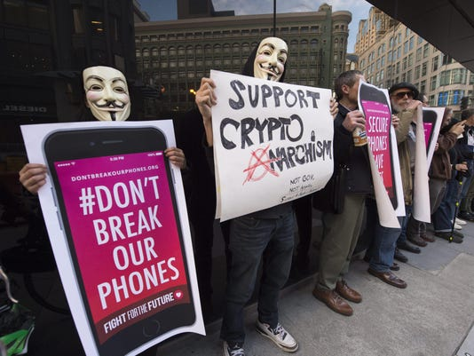 Rally support for Apple refusal to help FBI with iPhone backdoor access