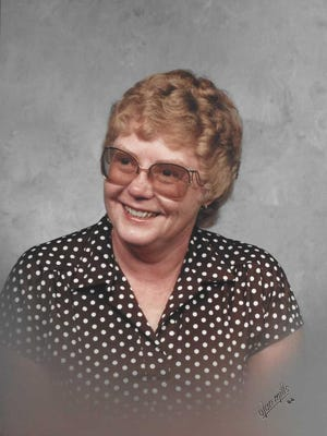 Lillian (Newbury) Hixson  of Fort Collins, died on May 19, 2015.
