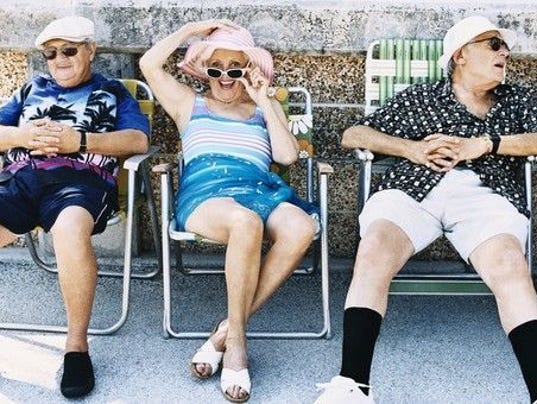 retirees-seniors-old-folks_large.jpg
