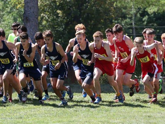 Runners start the 2017 Essex Invitational.