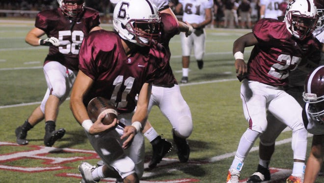 00021683A  BengalsGiliberti03  BLOOMFIELD, NJ 9/16/2016 NUTLEY VS. BLOOMFIELD VARSITY FOOTBALL AT BLOOMFIELD: The Bengal's Joey Giliberti plays in the Bloomfield vs. Nutley game at Foley Field on September 16.  DALE MINCEY/STAFF PHOTOGRAPHER